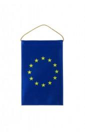EU Autofahne auf Rückspiegel